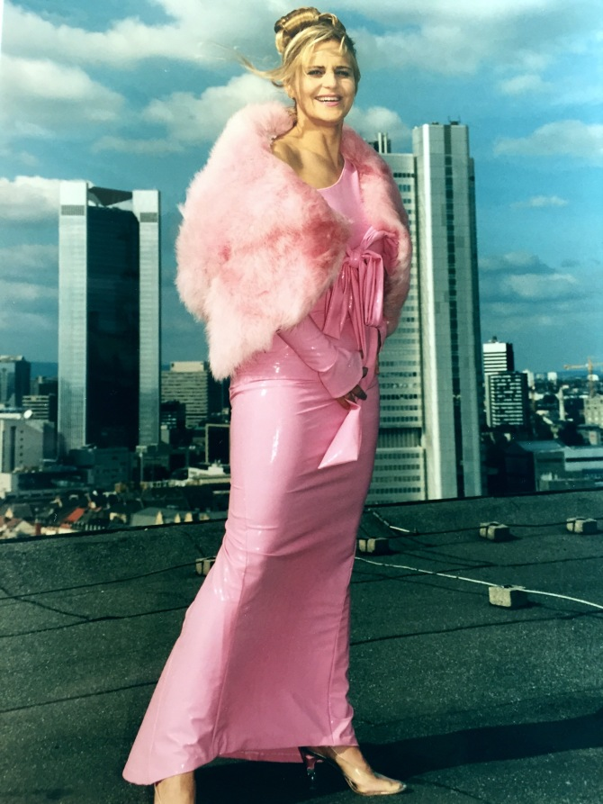 Lady in pink…